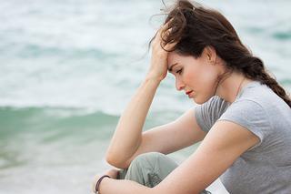 下肢静脈瘤は女性の2人に1人が発症する怖い病気!血管が瘤状になる下肢静脈瘤の症状と原因について